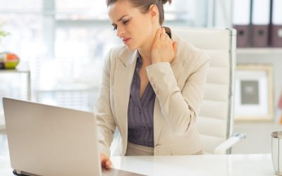 The 5 hot tips that almost everyone suffering with Neck Pain needs to know!